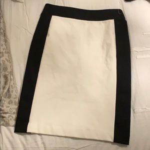 😍 beautiful classic skirt NY&Co